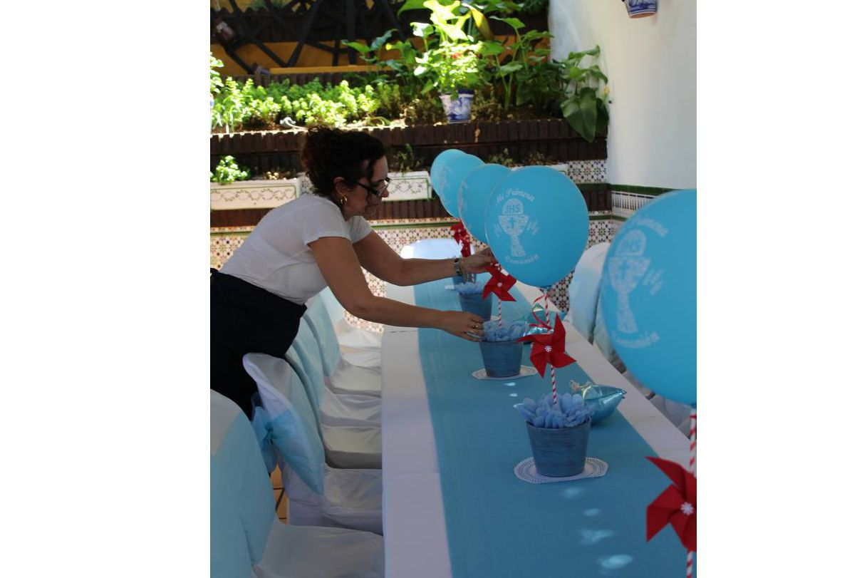 Decorar mesa con globos