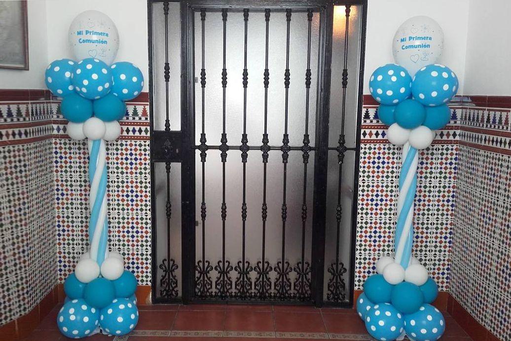 Candy Bar Y Decoración Con Globos Para Comunión En Córdoba