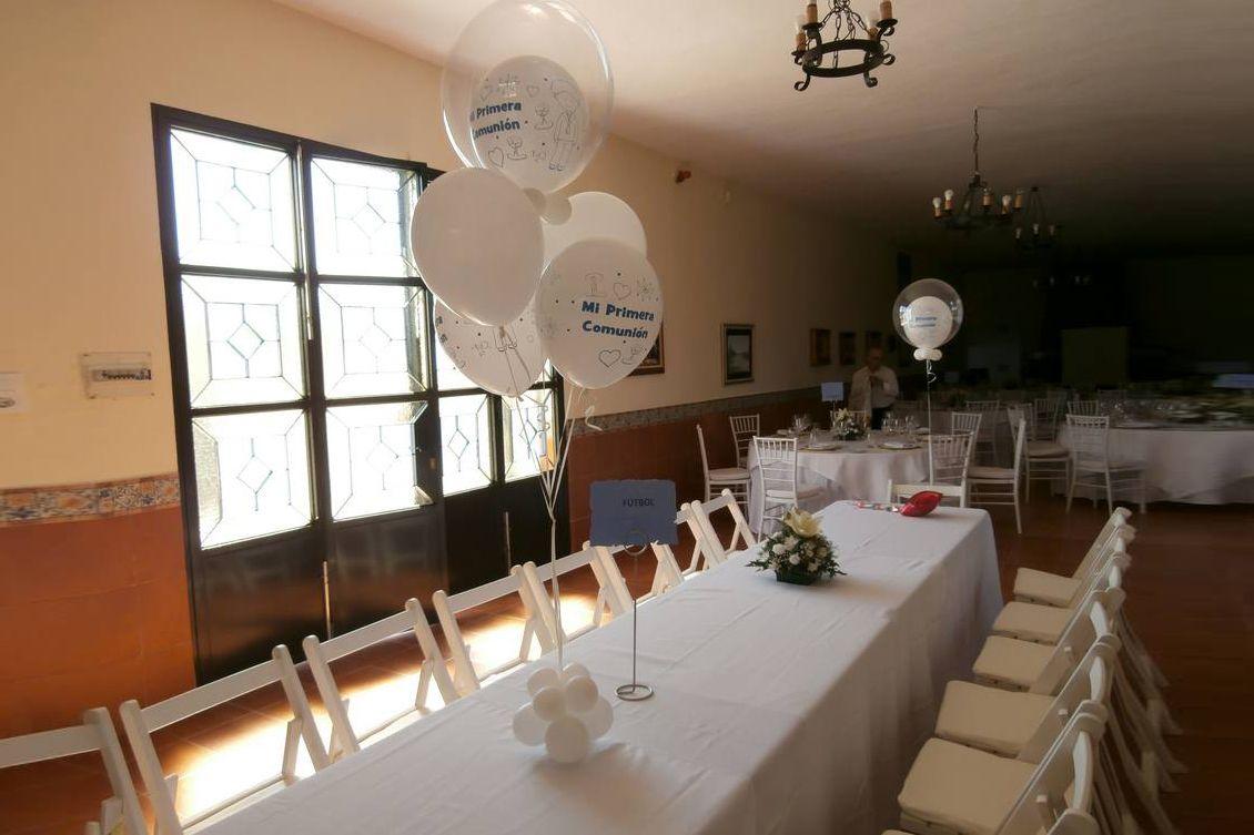 Mesa blanca comunión
