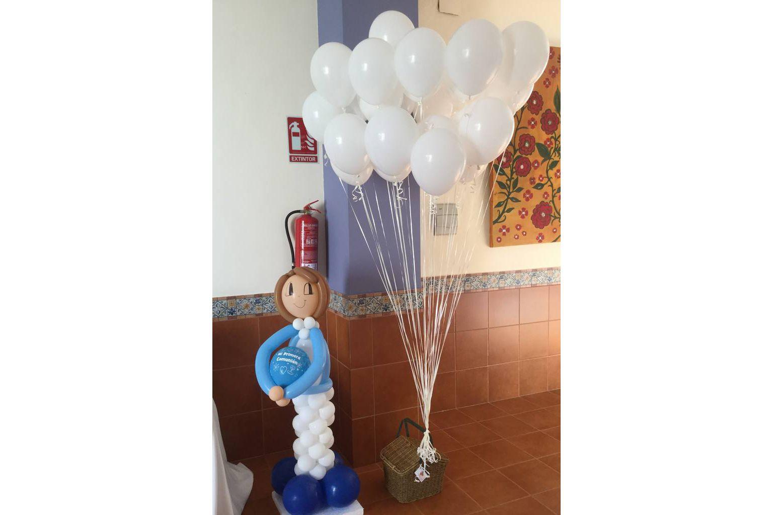Niño comunión de globos