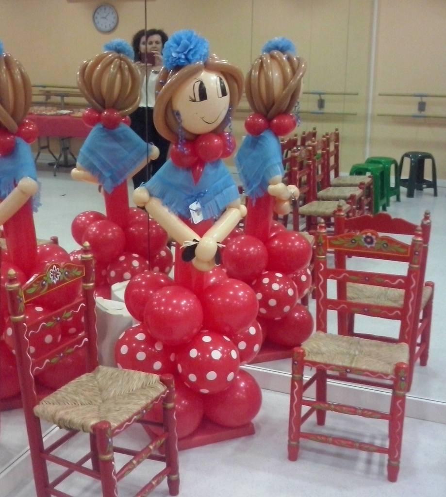 Figura flamenca con globos