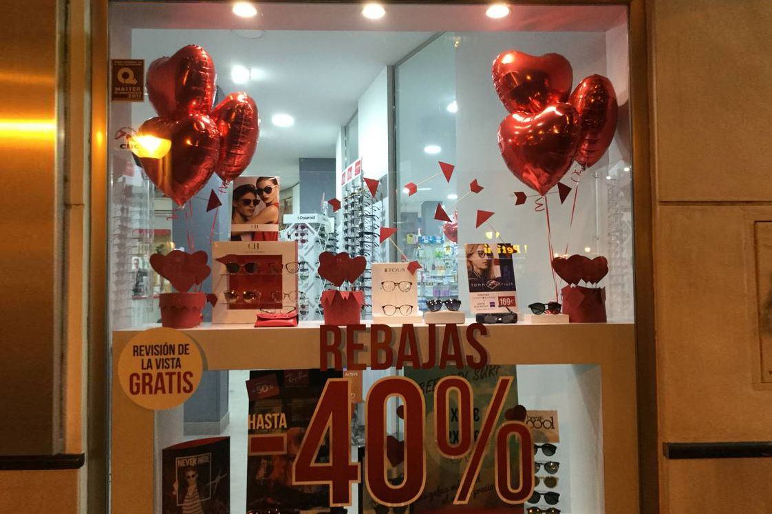 Decoración escaparate San Valentin