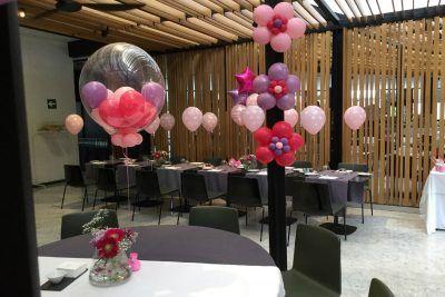 Decoración rosa para comunión