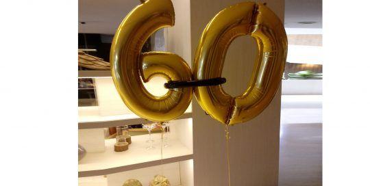 Globos de cumpleaños dorados